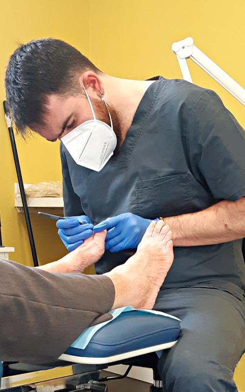 Podólogo tratamiento de callos callosidades y durezas en Hortaleza